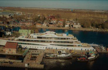Компания Feadship спустила на воду 94-метровый эксплорер Viva