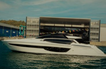 На воду спущена спортивная яхта Riva-76 Perseo Super